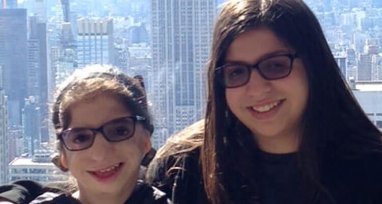 Hannah and her sister Bari